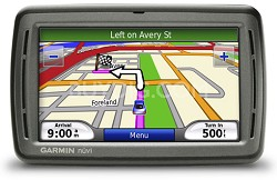 nuvi 850 GPS Navigator & Personal Travel Assistant w/ Speech Recognition