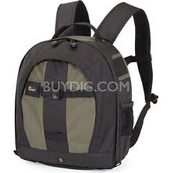 LP36123-PEU - Pro Runner 200 AW DSLR Backpack (Pine Green)