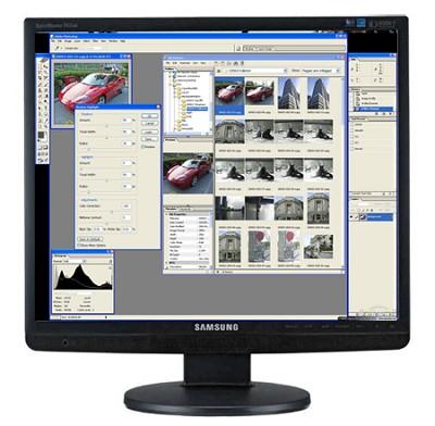 943BM 19 inch LCD widescreen monitor