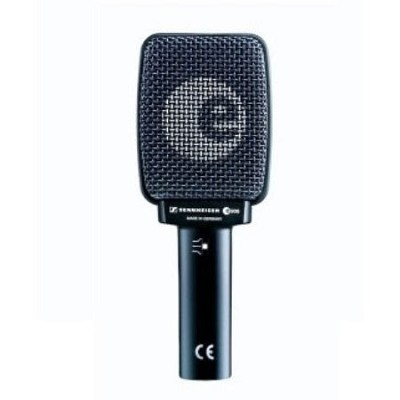 e906 Supercardioid Dynamic Mic for Guitar Amps