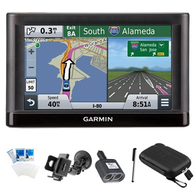 nuvi 55LM Essential Series GPS Nav w/ Lifetime Maps 5` Display Essentials Bundle