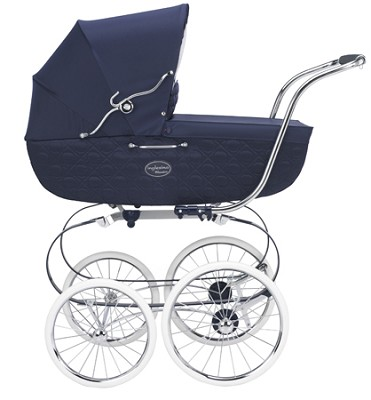 2008 Classica Bassinet + diaper bag (Navy) (Chassis included)