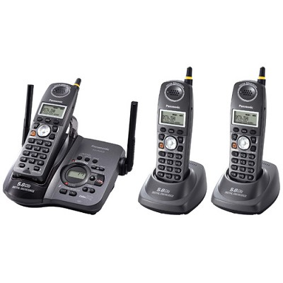 KX-TG5633B 3-Handset Gigarange 5.8 GHz Cordless Phone Digital Answering System