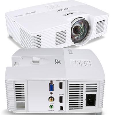UXGA  3000 lumens 1080p 3D