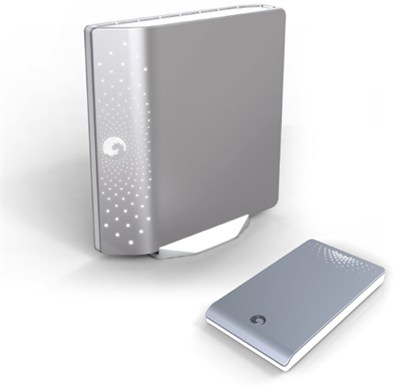 FreeAgent Desk 1.5 TB USB 2.0 Port External Hard Drive-Silver (OPEN BOX)