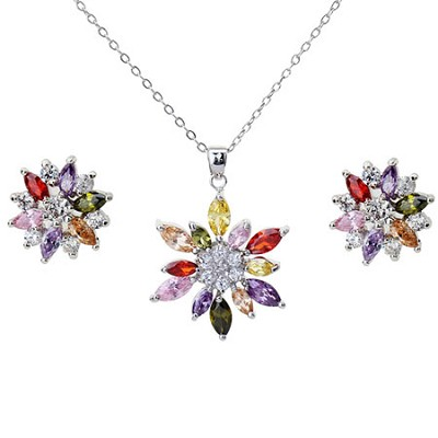 Austria Crystal 18k White Gold Floral Necklace and Earring Set