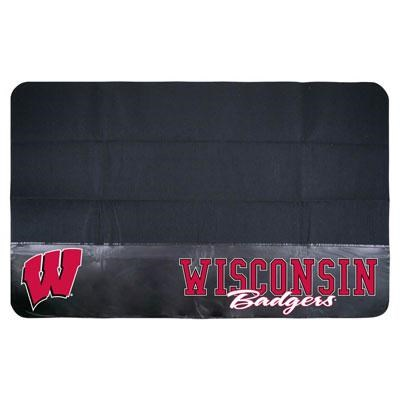 Backyard Basics Wisconsin Badgers Grill Mat - 15028WISGD