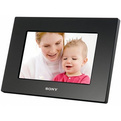 DPF-A710 - Easy to use 7 Inch  WQVGA Backlit Digital Photo Frame with Remote